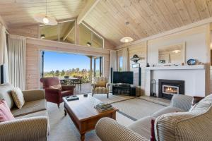 A seating area at Kaimai Country Lodge