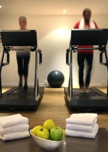 The fitness center and/or fitness facilities at AC Hotel by Marriott Ambassadeur Antibes - Juan Les Pins