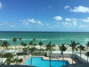 Uma vista da piscina em Ocean Front Units at Casablanca ou nos arredores