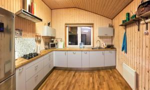 Кухня или мини-кухня в Хутор Микли