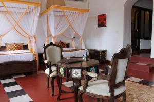 A seating area at Mizingani Seafront Hotel