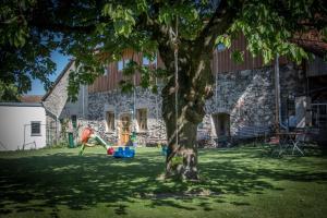 Ein Kinderspielbereich in der Unterkunft Gasthof Zur Post