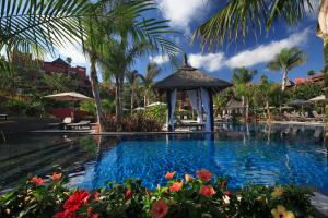 The swimming pool at or near Asia Gardens Hotel & Thai Spa, a Royal Hideaway Hotel