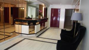 The lobby or reception area at Hotel Compostela Vigo