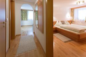 Кровать или кровати в номере Gasthof Hotel Eiserne Hand