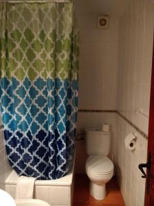 A bathroom at Apartamentos Asador De La Plaza Vieja