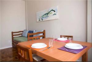 Um restaurante ou outro lugar para comer em Copacabana Posto 6