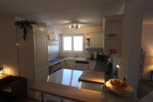 A kitchen or kitchenette at Casa Pramalinis - Manstein