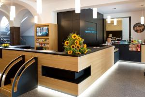 The lobby or reception area at Jugendherberge Berlin Ostkreuz