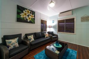 A seating area at Gonetroppo - Airlie Beach
