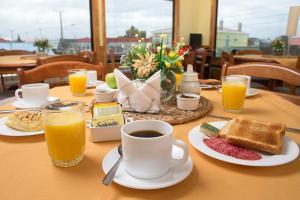 Opciones de desayuno disponibles en Hotel Carpa Manzano