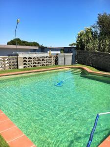 The swimming pool at or near Motel Dimboola