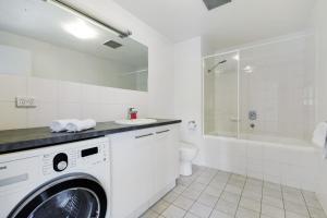 A bathroom at Swainson on Union