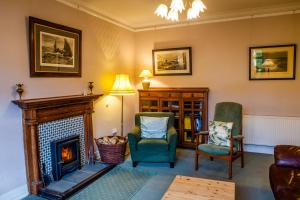 A seating area at Shelburne Lodge