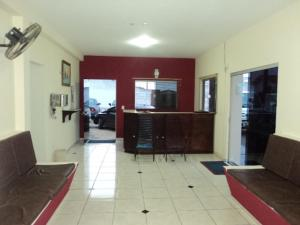 The lobby or reception area at Hotel Platina