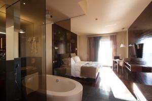 Ванная комната в Main Palace Hotel