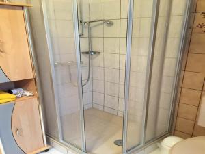 Ein Badezimmer in der Unterkunft Hotel Carlsruh