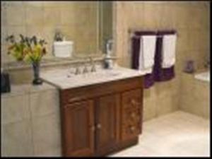 A bathroom at Highwood Park B&B Guest Lodge