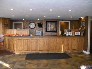 The lobby or reception area at Motel West