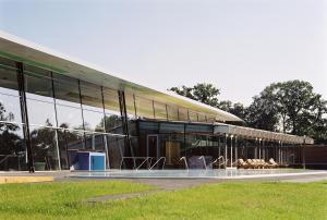 Der Swimmingpool an oder in der Nähe von Spreewald Thermenhotel - Spreewald Therme GmbH