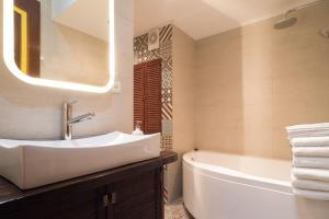 Ванная комната в TaurideWest byApartica