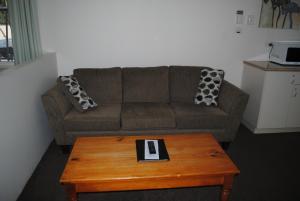 A seating area at Motel Miramar