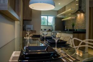 A restaurant or other place to eat at Premium Flat Natal Vista Mar