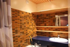 A bathroom at 3 Vallees