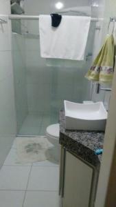 A bathroom at Casa na Aruana Aracajú-SE