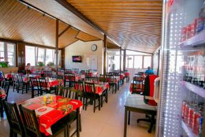 A restaurant or other place to eat at Hotel Venera 4