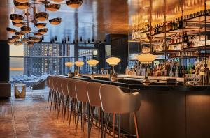 The lounge or bar area at Viceroy Chicago