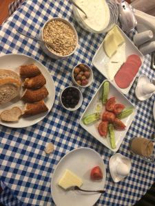 Breakfast options available to guests at Berk Guesthouse - Grandma's House