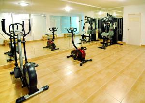 The fitness center and/or fitness facilities at Chiang Mai Lodge