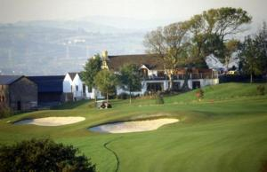 Golf facilities at the guesthouse or nearby