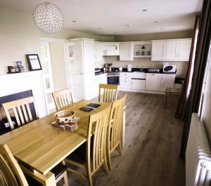 A kitchen or kitchenette at Lodge at Lough Erne