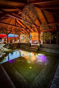 Der Swimmingpool an oder in der Nähe von Session Hotel Ráckeve