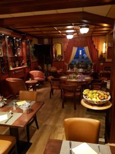 A restaurant or other place to eat at Hotel Zee en Duin