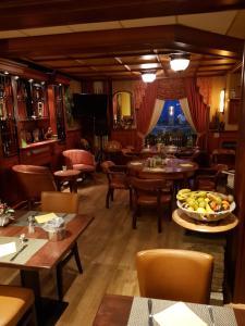 Ein Restaurant oder anderes Speiselokal in der Unterkunft Hotel Zee en Duin