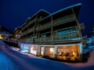 Francesin Active Hotel v zimě