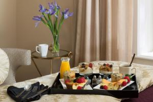 Breakfast options available to guests at 16 Bay View
