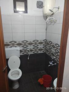 A bathroom at Sunleo Spice Villas & Homestay