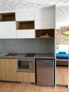 A kitchen or kitchenette at Byron Beach House