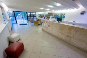 The lobby or reception area at Ambassador Flat