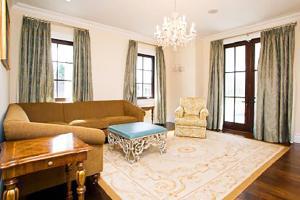A seating area at Villa Florencia - Luxuriant 11 Bedroom Villa