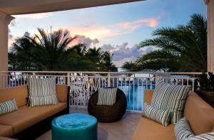A balcony or terrace at Playa Largo Resort & Spa, Autograph Collection