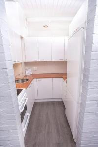 A kitchen or kitchenette at Heaven
