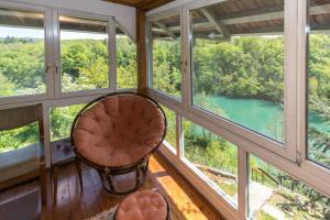 Pogled na bazen u objektu Magical oasis on the river ili u blizini