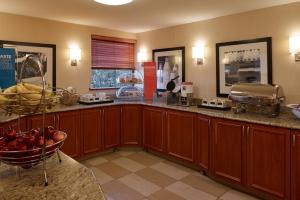 A kitchen or kitchenette at Hampton Inn Portland-Airport