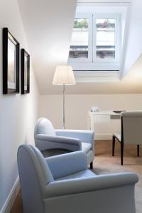 A seating area at Maison Milano | UNA Esperienze
