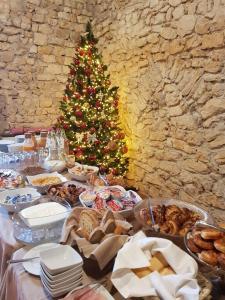 A restaurant or other place to eat at Monastero Fortezza di Santo Spirito